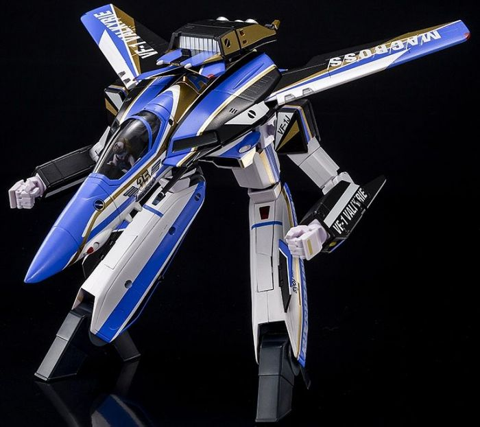1/60 THE SUPER DIMENSION FORTRESS MACROSS: VF-1J VALKYRIE MACROSS 35TH ANNIVERSARY MODEL