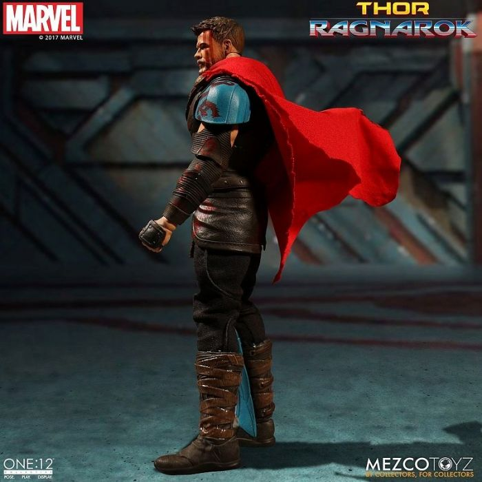1/12 ONE:12 COLLECTIVE THOR RAGNAROK: THOR ACTION FIGURE