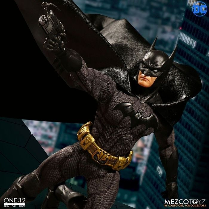 1/12 ONE:12 COLLECTIVE DC COMICS: SOVEREIGN KNIGHT BATMAN ACTION FIGURE